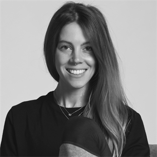 Sarah Lee / Yoga Instructor
